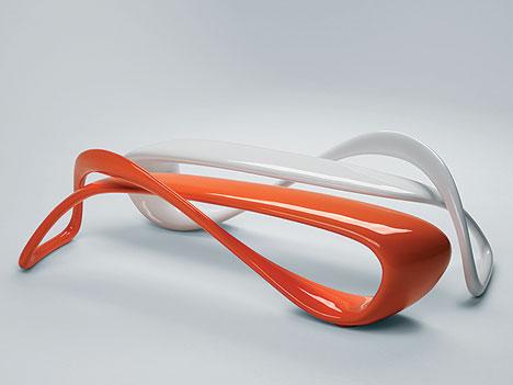 E turn sculpture utilitaire diisign for Objet deco a poser