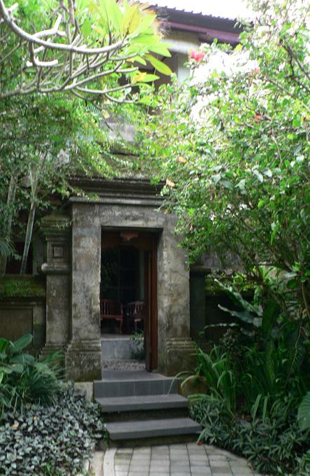 Hotel Champlung Sari, Ubud, Bali : entrée de notre chambre