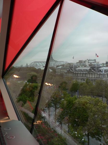 La vue sur Paris offerte par l'immeuble Citroën est spectaculaire
