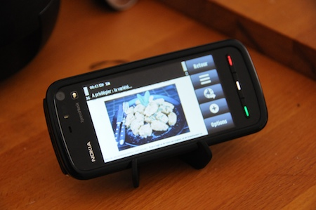 Test Nokia 5800 Xpress Music support incliné