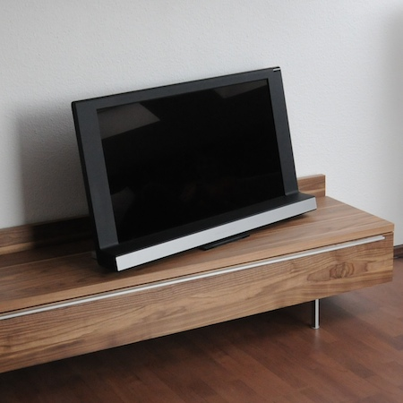 test bang olufsen beovision 8 40 diisign. Black Bedroom Furniture Sets. Home Design Ideas