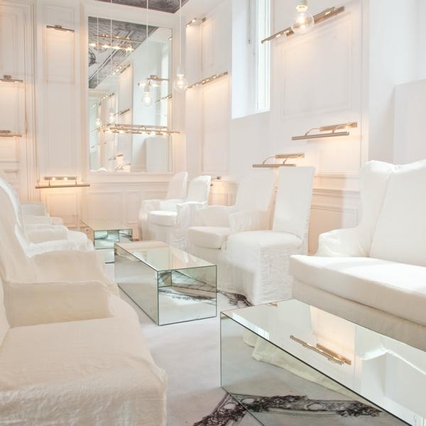 salon moderne violet et blanc id es novatrices de la. Black Bedroom Furniture Sets. Home Design Ideas