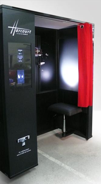 harcourt d mocratise ses portraits l 39 extr me avec un photomaton diisign. Black Bedroom Furniture Sets. Home Design Ideas