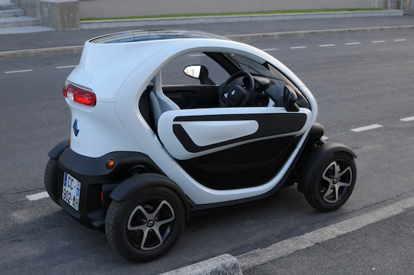 test un week end en renault twizy l 39 engin qui venait de l 39 espace diisign. Black Bedroom Furniture Sets. Home Design Ideas