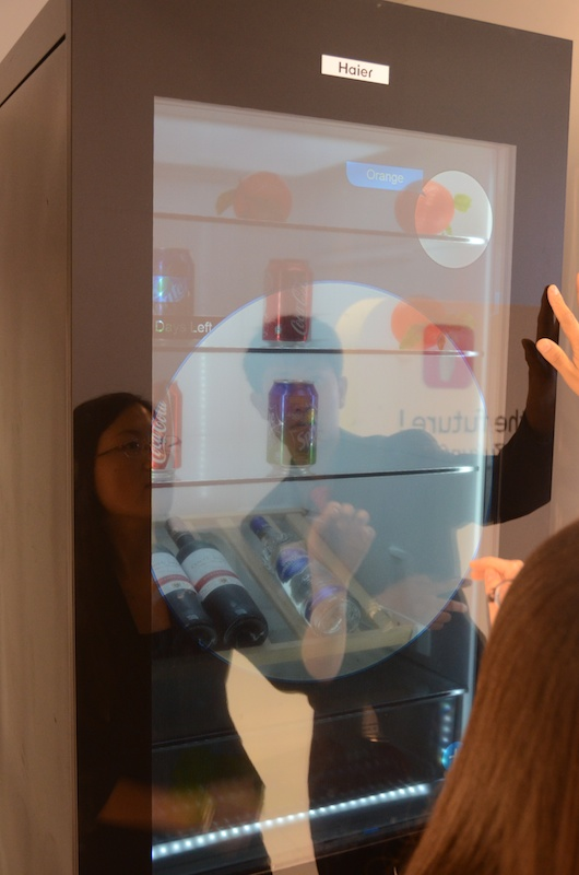 ifa 2012 haier imagine le frigo augment diisign. Black Bedroom Furniture Sets. Home Design Ideas