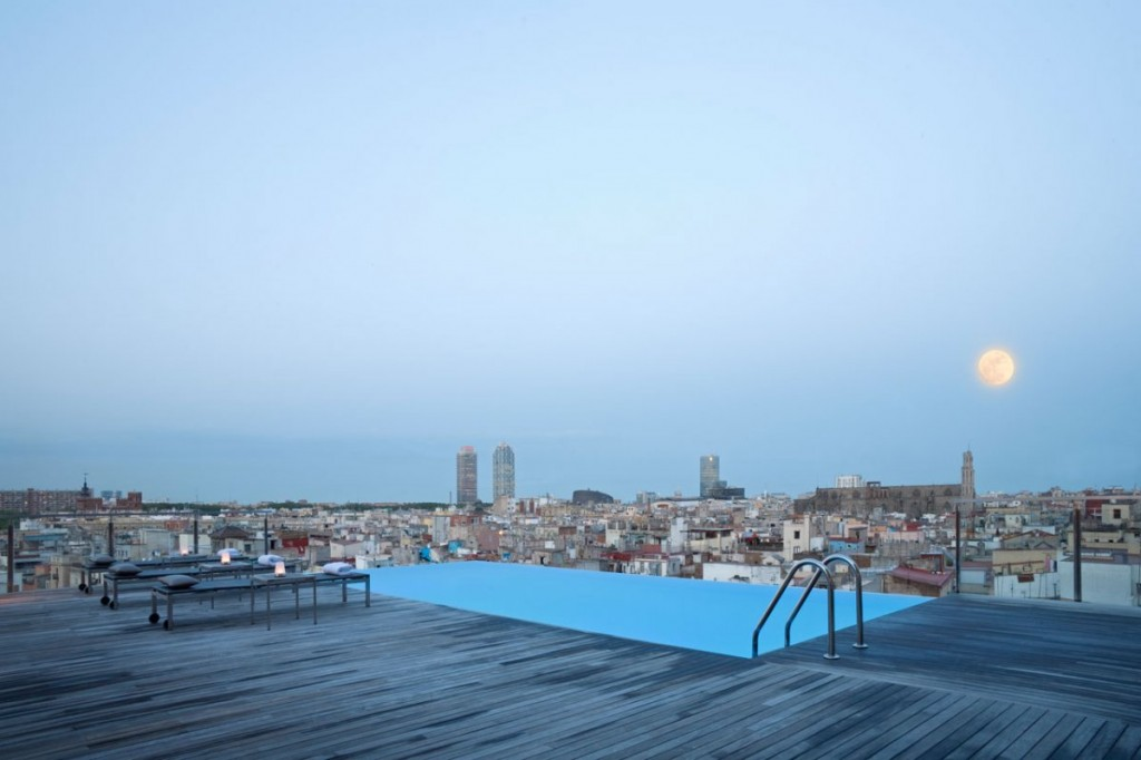 Grand Hotel Central Barcelone skybar piscine pool