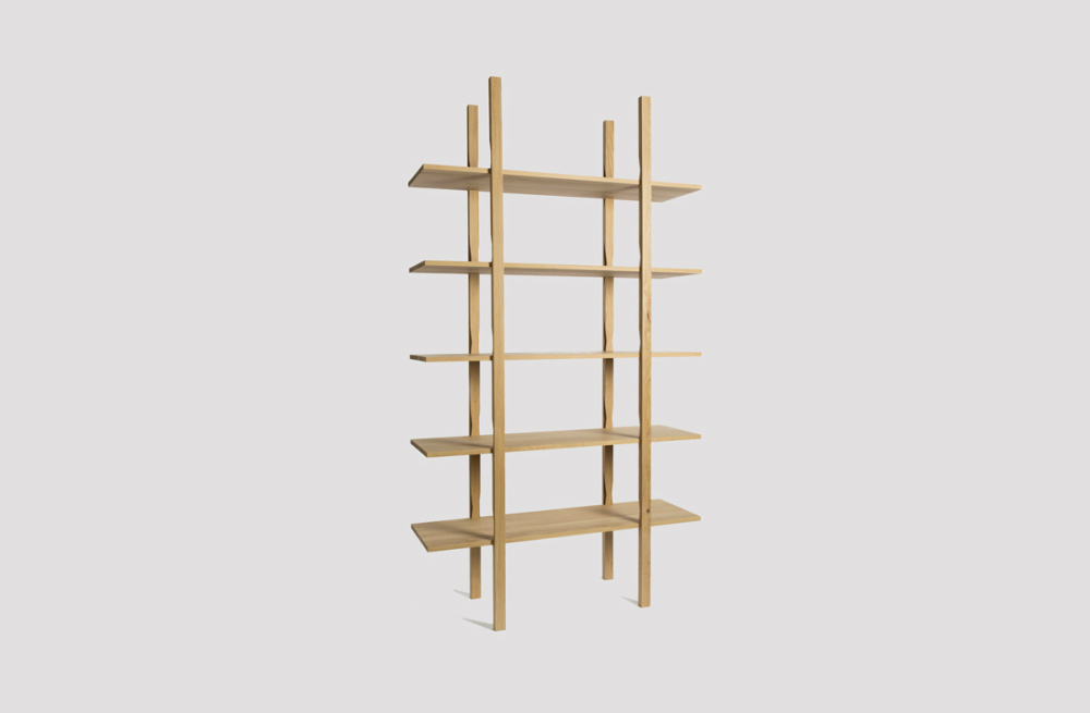 The Wooden Shelf par Lucien Gumy
