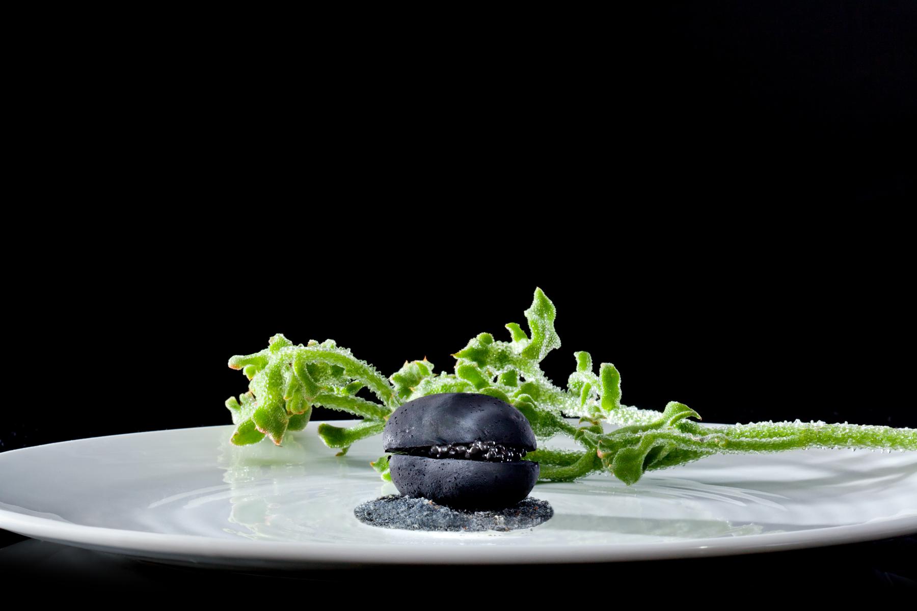 WHISK_2014_Degustation Menu Voyage 4.1 - AUSTRIA - Black Potato, Caviar & Sour Cream 02