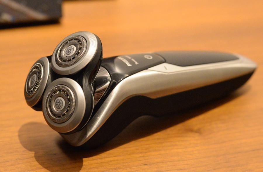 test rasoir électrique braun