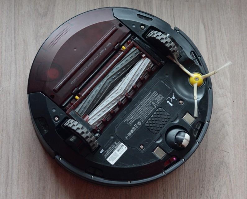 Test Aspirateur robot Roomba 880