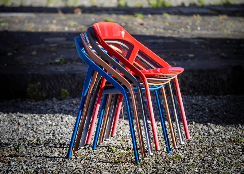 less-than-five-chair-coalesse-michael-young0