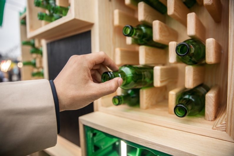 FOBO : Normal Studio réenchante la bouteille consignée pour Heineken