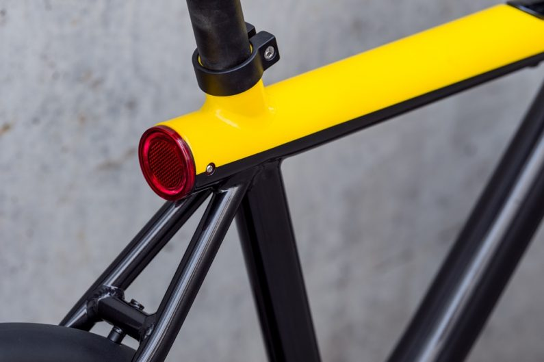 VanMoof Electrified X close up integrated lighting-50b3c9-original-1493377639