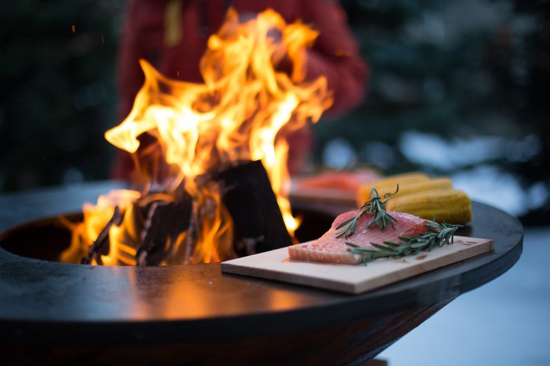 Barbecues, plancha, brasero : la guerre sans merci pour conquérir votre terrasse