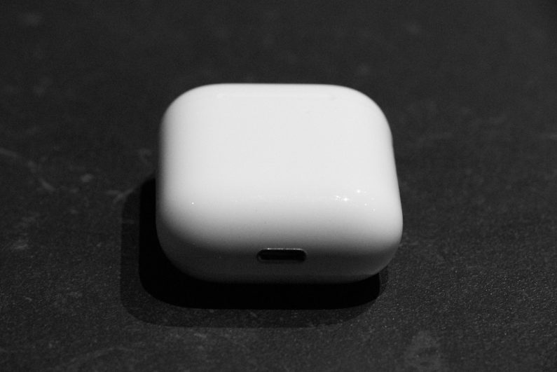 Apple-airpods-test-review-diisign
