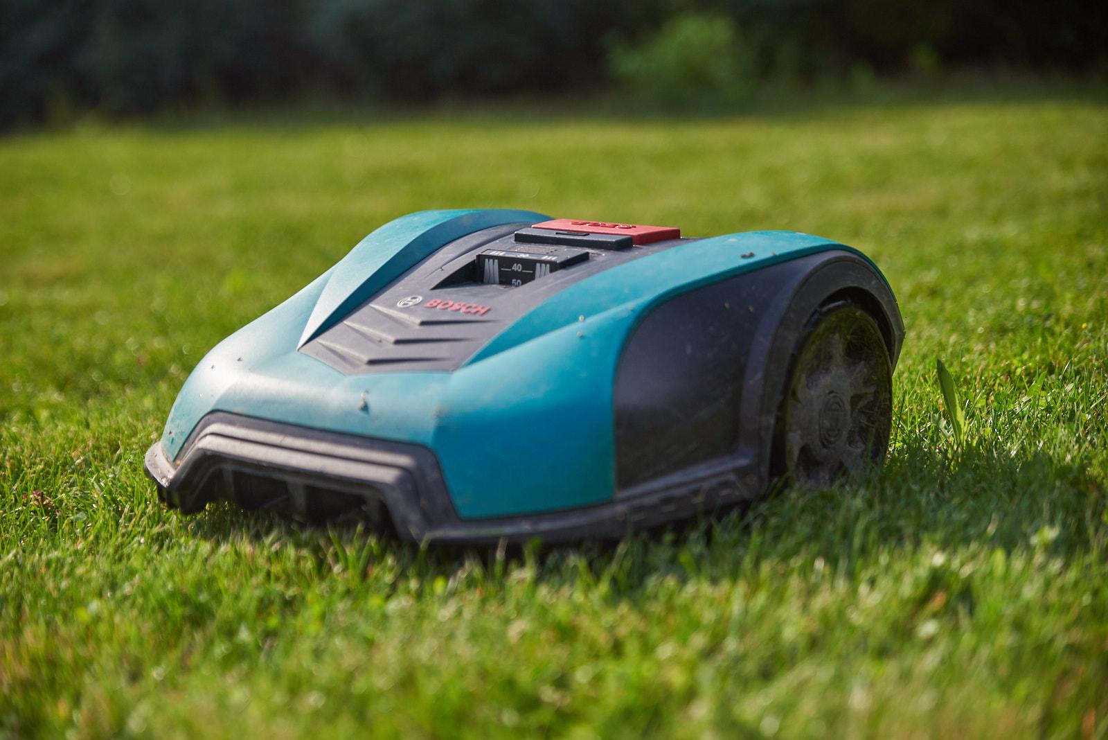 test robot tondeuse bosch indego 350 connect la rigueur allemande pour nos pelouses diisign. Black Bedroom Furniture Sets. Home Design Ideas