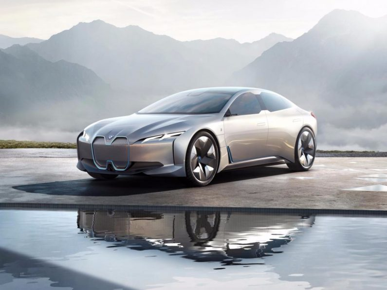 [IAA 17] Quand l'Allemagne se met à l'électrique et que BMW fait la pub de Tesla.