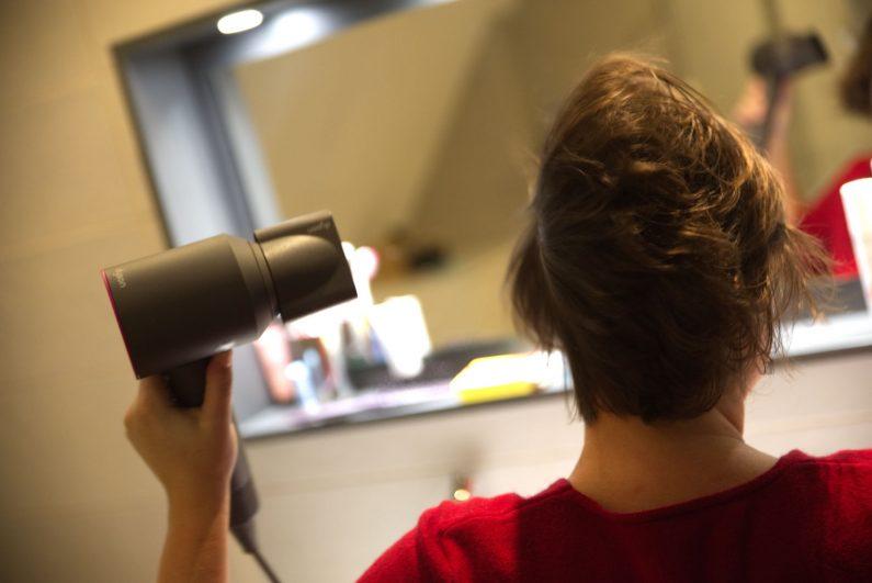 test dyson supersonique sèche cheveux design