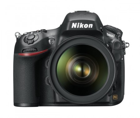 Nikon D800 : le moyen format qui tient dans un reflex