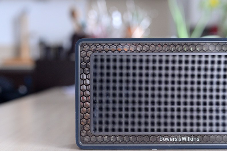 [Test Bluetooth] T7, la mini enceinte B&W face à la Beoplay A2