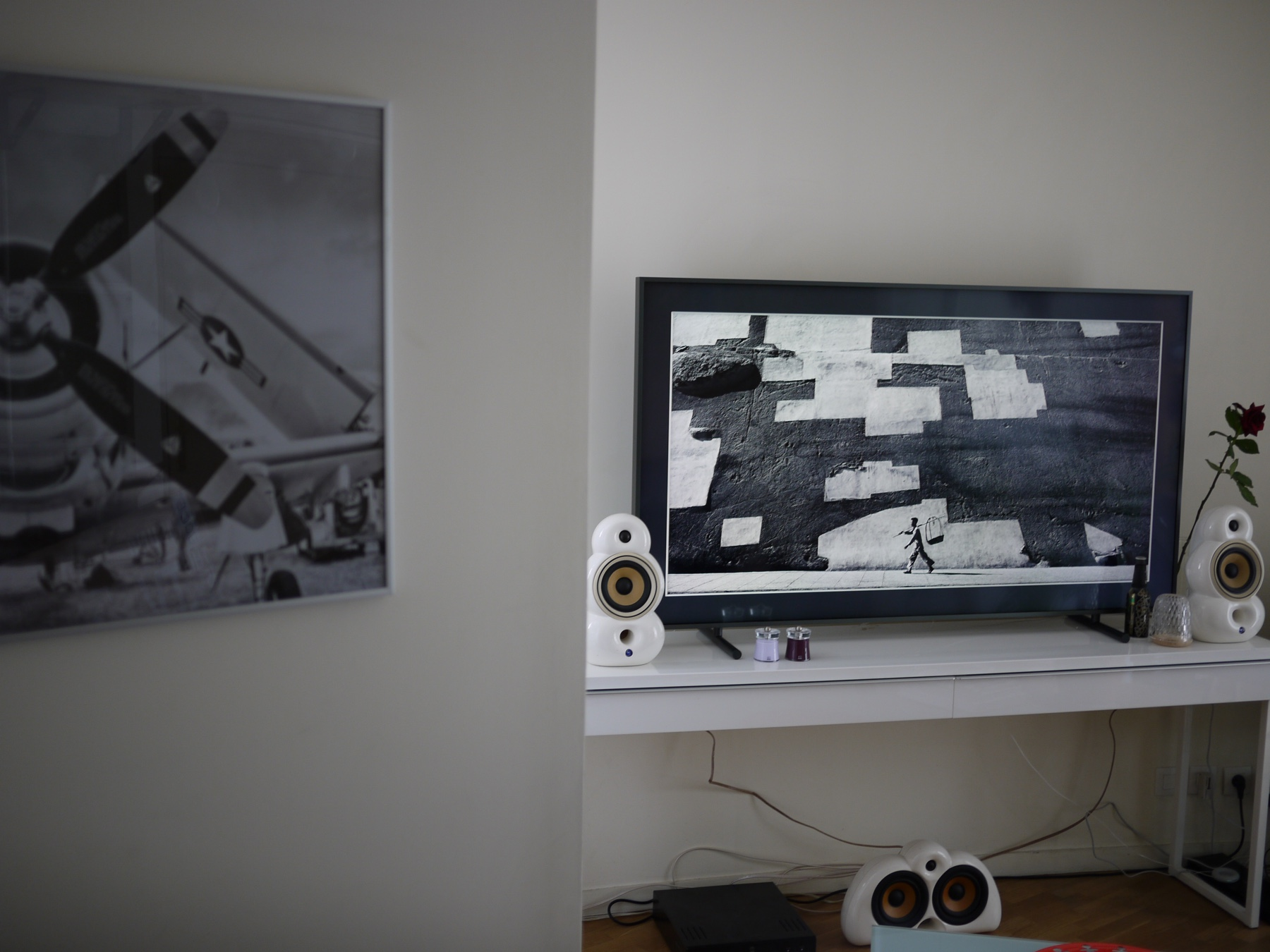 Comment Cacher Fils Tv Murale test] samsung the frame vs qled : technologie et design