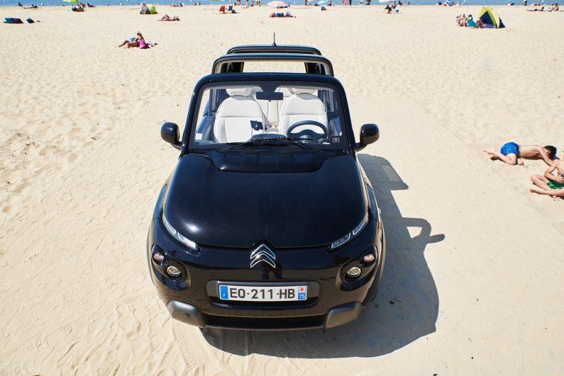[test] Citroën e-Mehari Styled by Courrèges : la e-Mehari s'habille