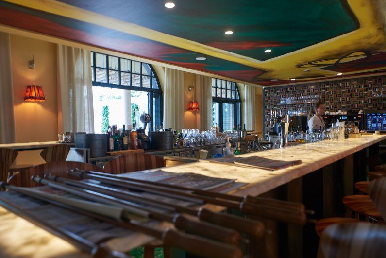 Hotel Haaitza Haitza arcachon philippe starck bar