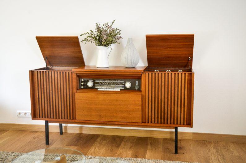 Atelier charlestine radio vintage bluetooth Telefuken Salzburg 2554